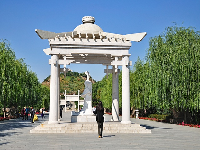 Lăng mộ xanh của một trong tứ đại mỹ nhân Trung Quốc - Vương Chiêu Quân - 8