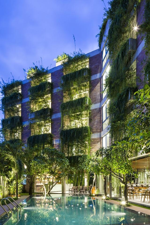 """Tòa nhà 5 tầng """"siêu độc"""" phủ kín cây xanh ở Đà Nẵng, được báo Tây hết lời khen ngợi - 11"""