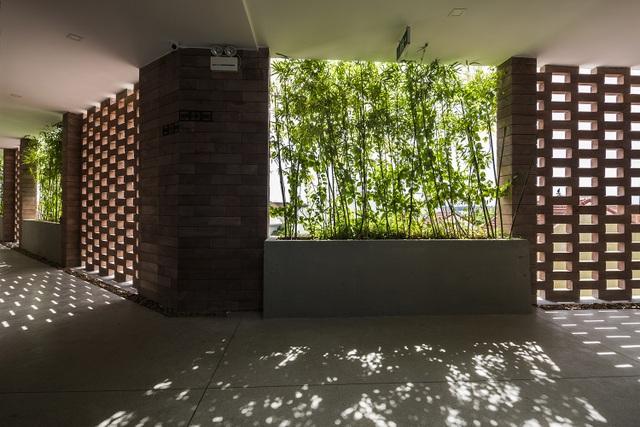 """Tòa nhà 5 tầng """"siêu độc"""" phủ kín cây xanh ở Đà Nẵng, được báo Tây hết lời khen ngợi - 4"""
