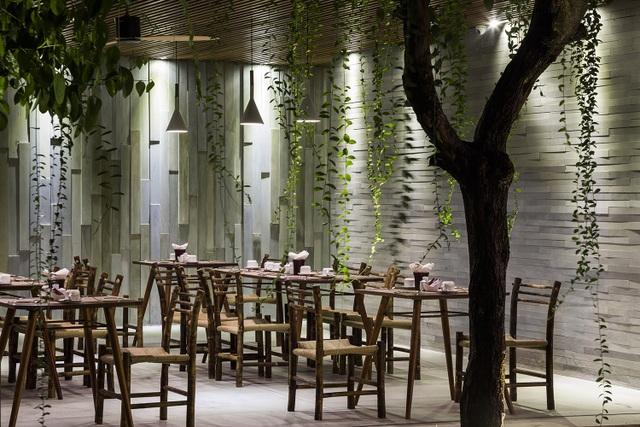 """Tòa nhà 5 tầng """"siêu độc"""" phủ kín cây xanh ở Đà Nẵng, được báo Tây hết lời khen ngợi - 7"""