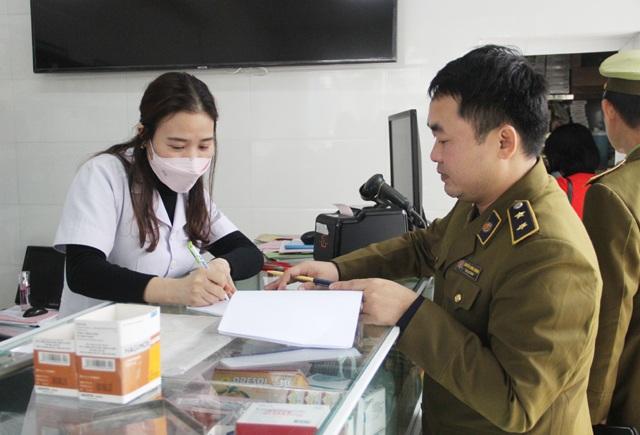 """Giá khẩu trang tăng """"phi mã"""": Nghệ An yêu cầu cơ sở kinh doanh niêm yết giá - 3"""