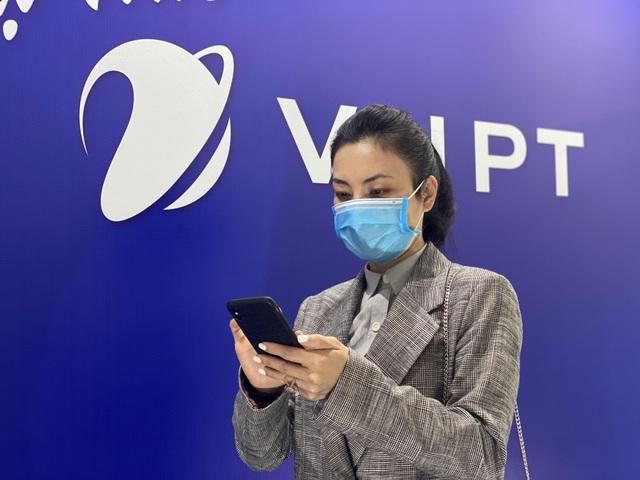 Nhà mạng miễn phí cước gọi đến đường dây nóng Phòng chống bệnh do virus corona - 1