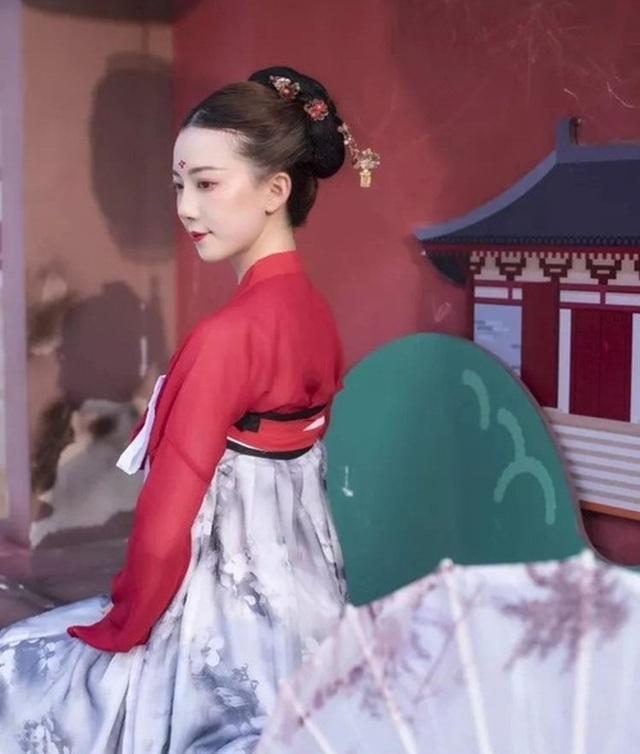 Vừa múa đẹp, vừa sở hữu vẻ tuyệt sắc giai nhân, cô gái kiếm bộn tiền trên phố - 7