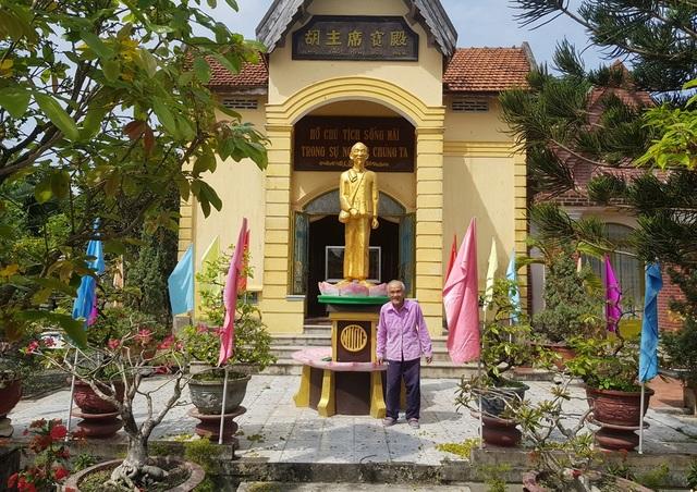 Cụ già 85 tuổi sưu tầm hơn 100 tư liệu quý, làm bảo tàng về Bác Hồ - 3