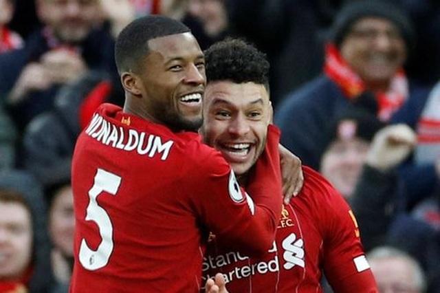Đại thắng Southampton, Liverpool hơn đội nhì bảng Man City 22 điểm - 1