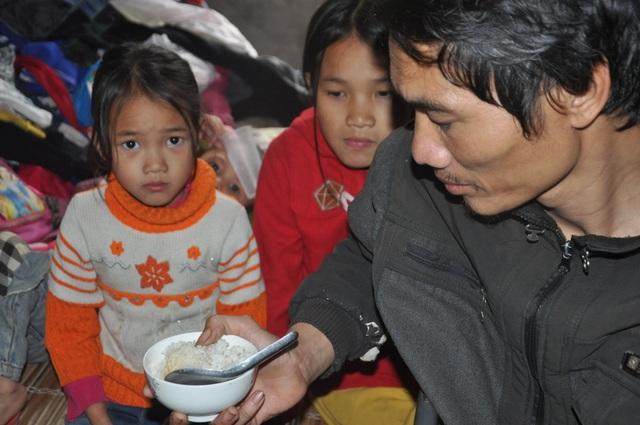 3 đứa trẻ thường xuyên nhịn đói được bạn đọc giúp đỡ 138 triệu đồng - 1