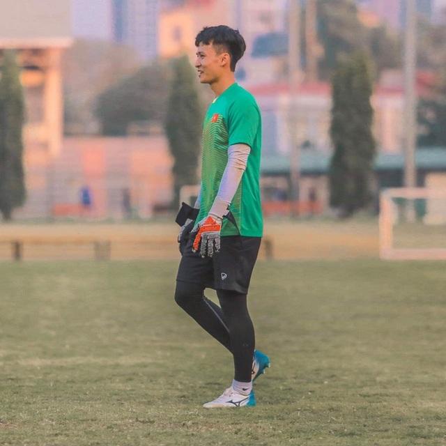 Chân dung chàng thủ thành điển trai thi đấu cho CLB Sài Gòn - 5