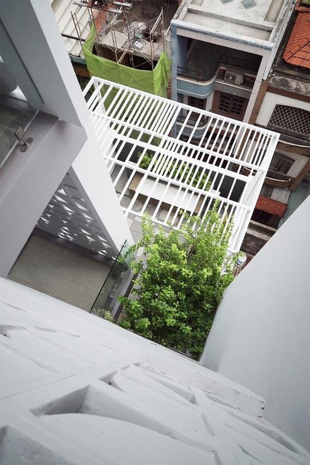 Nhà phố nhỏ hẹp ở Sài Gòn siêu sáng tạo, đẹp hút hồn - 4
