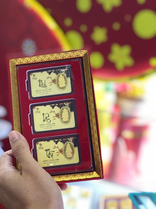 Ngại đông, sợ virus Corona, nhiều người mua vàng vía Thần Tài sớm, chuột vàng... hút khách - 7