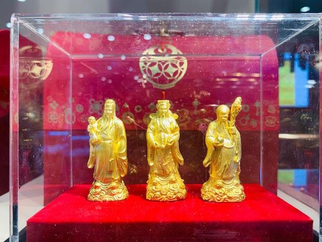 Ngại đông, sợ virus Corona, nhiều người mua vàng vía Thần Tài sớm, chuột vàng... hút khách - 11