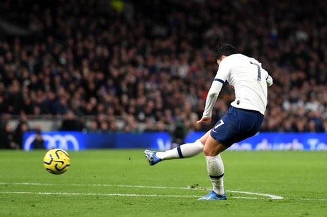 Tottenham 2-0 Man City: Gundogan đá hỏng 11m, Zinchenko nhận thẻ đỏ - 4