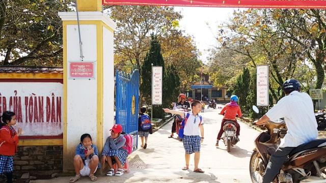 Thừa Thiên Huế: Nhiều phụ huynh cho con nghỉ học để tránh dịch Corona - 2