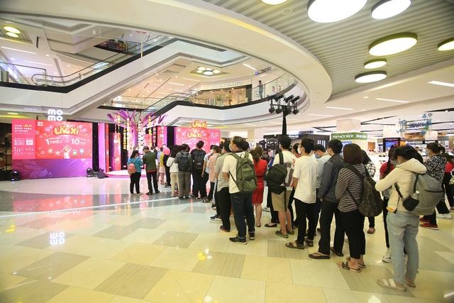 'Cơn sốt' săn vàng cùng MoMo đổ bộ trung tâm thương mại ở Sài Gòn - 1