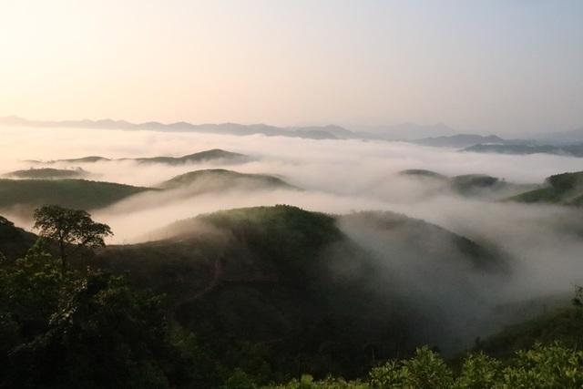 Mây giăng kín như bồng lai tiên cảnh trên đỉnh Giăng Màn - 4
