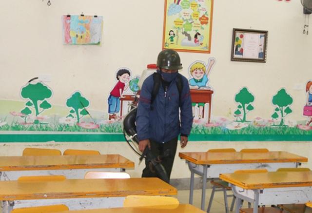 Hà Tĩnh: Gần 190 trường học được phun hóa chất diệt khuẩn, phòng chống virus Corona - 2