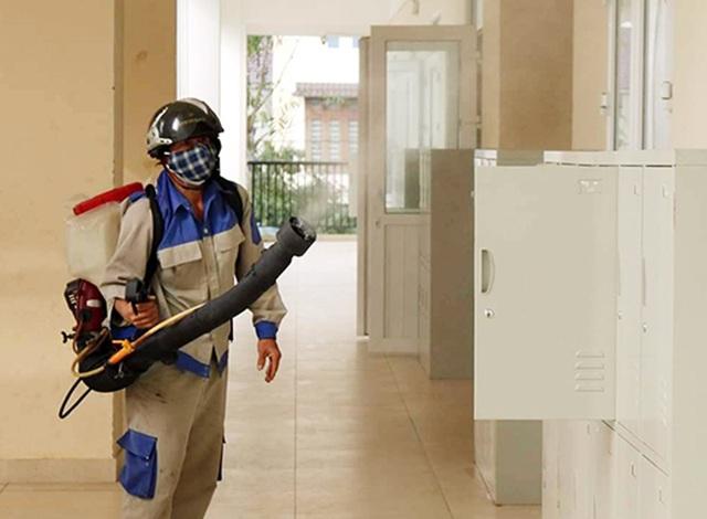 Hà Tĩnh: Gần 190 trường học được phun hóa chất diệt khuẩn, phòng chống virus Corona - 1