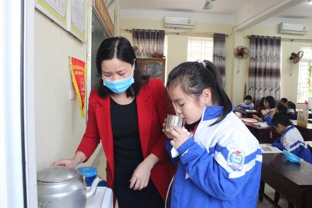 Hà Tĩnh: Hơn 700 trường học vẫn tổ chức dạy học bình thường - 7