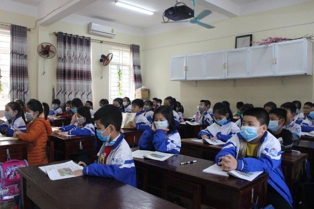 UBND Hà Tĩnh cho học sinh nghỉ học phòng dịch Corona - 1