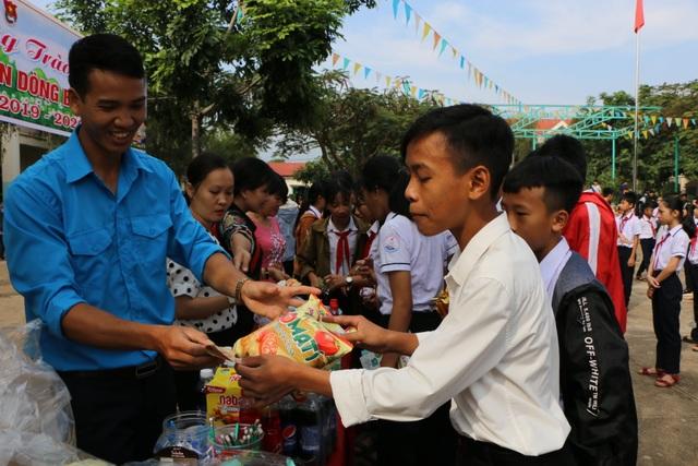 Đắk Nông: Hàng ngàn phụ huynh cho con em nghỉ học vì lo ngại virus Corona - 3