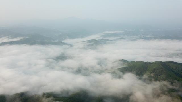 Mây giăng kín như bồng lai tiên cảnh trên đỉnh Giăng Màn - 8