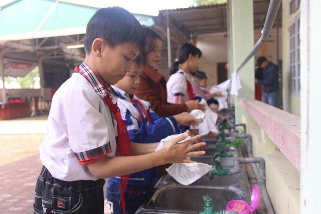 Nghệ An: Chưa có lệnh nghỉ, các trường học khẩn trương phòng dịch Corona - 2