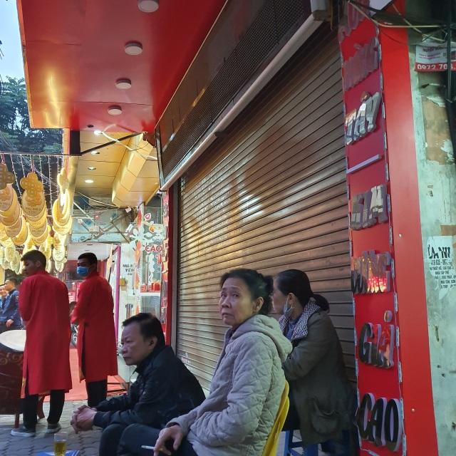 Kỳ lạ: Chủ tiệm vàng đóng cửa ngủ kỹ ngày vía Thần Tài - 8