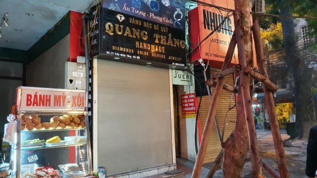 Kỳ lạ: Chủ tiệm vàng đóng cửa ngủ kỹ ngày vía Thần Tài - 3