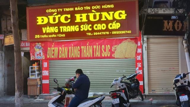 Kỳ lạ: Chủ tiệm vàng đóng cửa ngủ kỹ ngày vía Thần Tài - 5