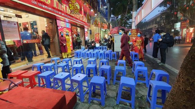 Kỳ lạ: Chủ tiệm vàng đóng cửa ngủ kỹ ngày vía Thần Tài - 2