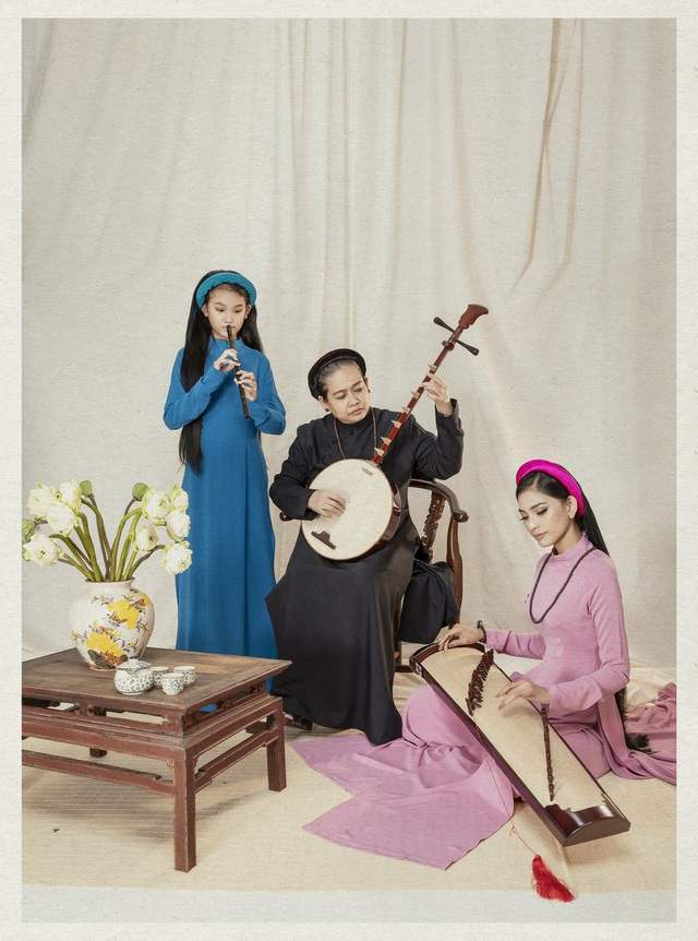 Á hậu Trương Thị May lần đầu khoe cô em gái xinh xắn, học giỏi - 1