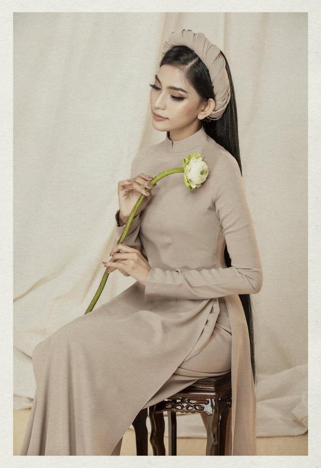 Á hậu Trương Thị May lần đầu khoe cô em gái xinh xắn, học giỏi - 14