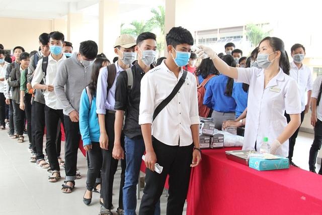 Một trường đại học ở Vĩnh Long cho sinh viên nghỉ 6 tuần tránh dịch Corona - 1