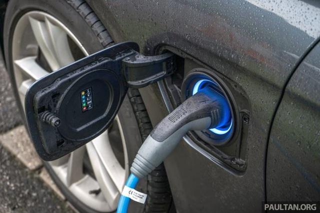Thái Lan giảm thuế lưu thông cho xe chạy điện - 1