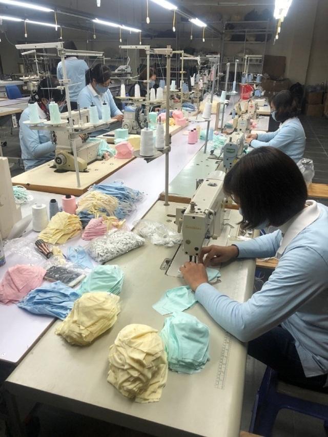 Việt Nam có thể là đại công xưởng khẩu trang của thế giới - 1