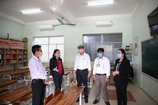 Quảng Trị:  Vệ sinh, sát khuẩn trường học phòng dịch Corona - 1