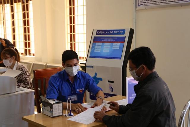 Thành phố Buôn Ma Thuột giải quyết thủ tục hành chính nhanh gọn để phòng chống virus corona  - 2