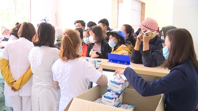 Bắc Ninh triển khai 23 điểm bán ổn định giá khẩu trang y tế cho người dân - 3