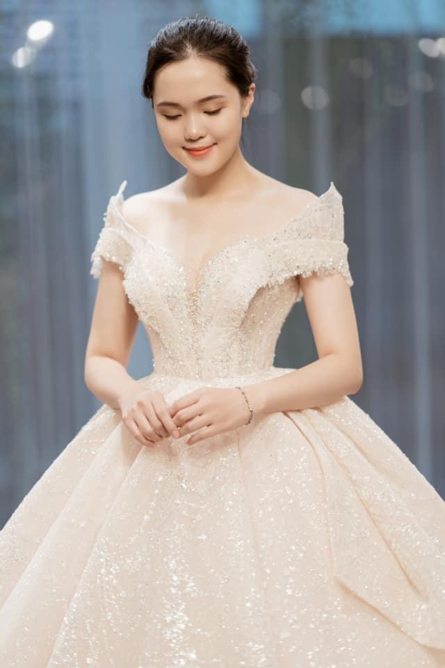 Duy Mạnh - Quỳnh Anh tung ảnh cưới nhắng nhít với áo cầu thủ - 6