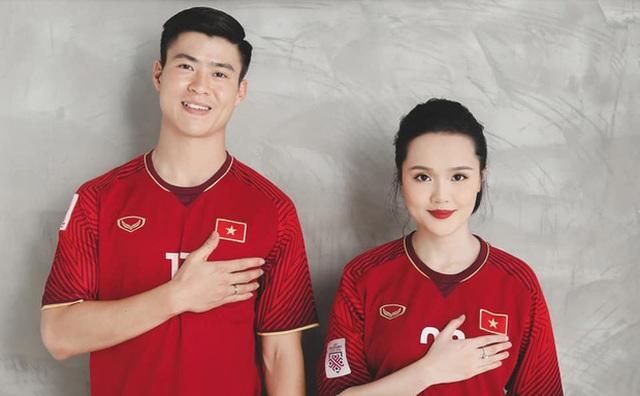 Duy Mạnh - Quỳnh Anh tung ảnh cưới nhắng nhít với áo cầu thủ - 3