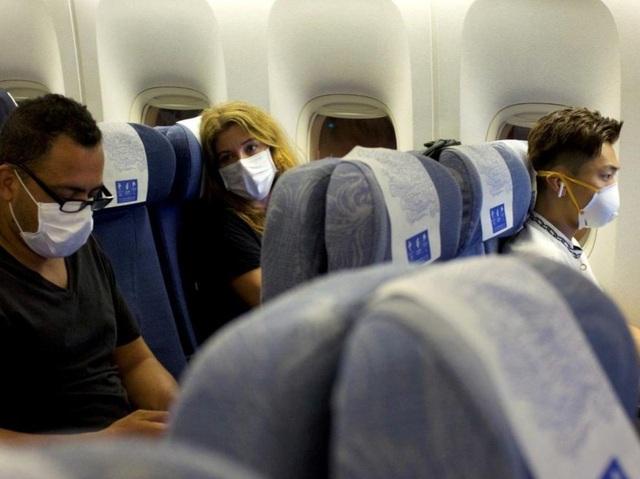 Chỗ ngồi nào trên máy bay ít nguy cơ lây virus corona? - 2