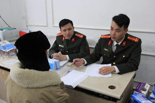 Hà Nội: Công an thu giữ lô khẩu trang y tế có biểu hiện tích trữ để bán ra nước ngoài - 3