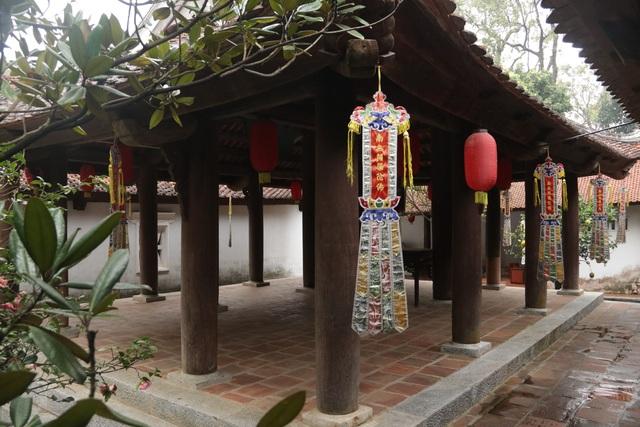 Hà Nội: Cảnh đìu hiu ở ngôi chùa ngàn tuổi giữa mùa dịch virus corona - 13