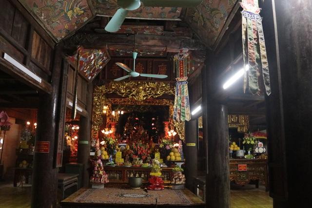 Hà Nội: Cảnh đìu hiu ở ngôi chùa ngàn tuổi giữa mùa dịch virus corona - 14