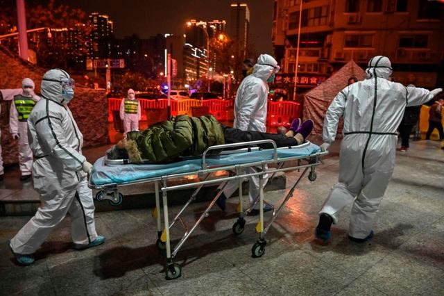 Bệnh nhân đầu tiên tử vong tại Hong Kong vì virus corona - 1