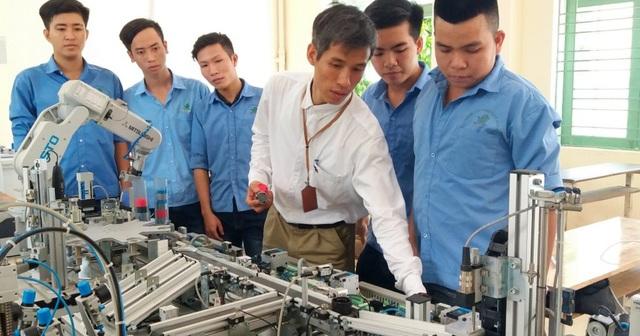 Dịch virus Corona: 895 cơ sở giáo dục nghề nghiệp cho học sinh, sinh viên nghỉ học - 1