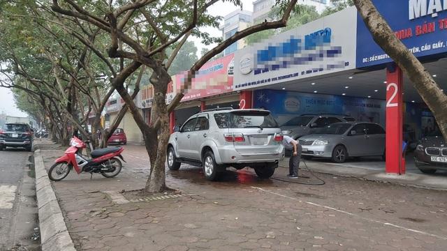 Chịu tác động kép, chợ xe cũ vắng tanh sau Tết Canh Tý - 3