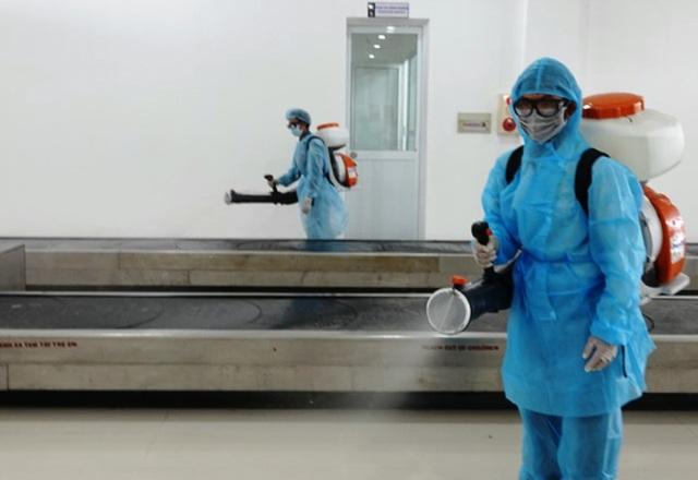 Nhiều người Trung Quốc được yêu cầu làm việc ở phòng riêng - 7