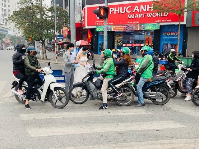 Ấm lòng những hình ảnh đẹp của người Việt giữa mùa dịch virus corona - 6