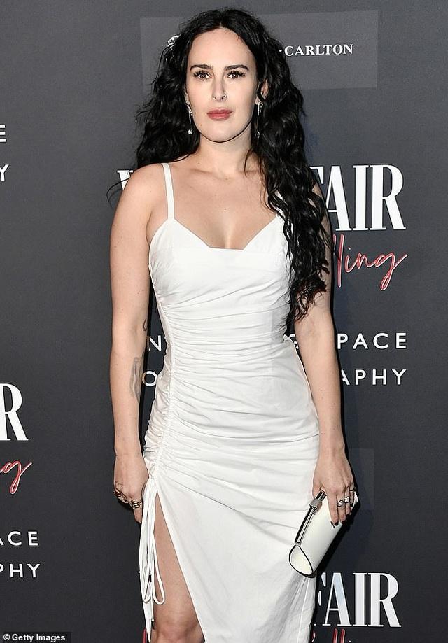 Demi Moore trẻ trung đáng ngưỡng mộ ở tuổi 58 - 3