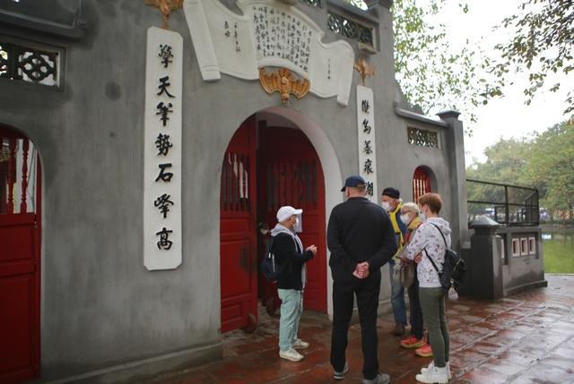 Hàng loạt điểm tham quan của Hà Nội tạm dừng hoạt động, du khách ngỡ ngàng - 6